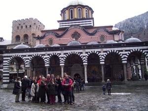 Amigos en Ruta en el Monasterio de Rila en Bulgaria