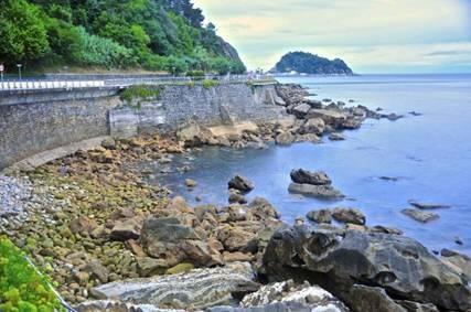 Pais vasco playa parques y pinchos viajes arcan y for Piscinas naturales pais vasco