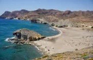 Cabo de Gata. Fin de Año entre volcanes, desiertos y playas vírgenes…