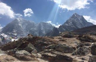 Nepal. Trekking al pie del Everest