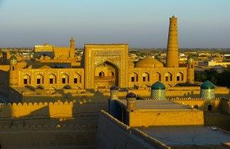 Uzbekistán. Ciudades de la Ruta de la Seda y montañas de Nurata