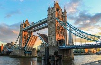 Londres en el Puente del Pilar